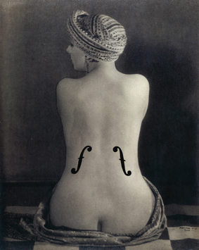 001 Man Ray  El violín de Ingres, 1924     Centre Pompidou, Musée national d'art moderne, Paris  © Man Ray Trust. ADAGP-VEGAP, Madrid, 2010