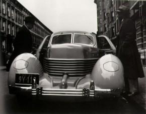 # John Gutmann, Cord en Harlem, Nueva York, 1936 FUNDACIÓN MAPFRE © Colecciones FUNDACIÓN MAPFRE